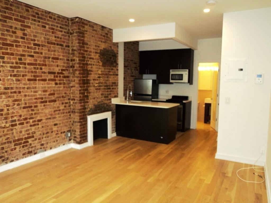 218 East 84th Street, 3D - Upper East Side, New York