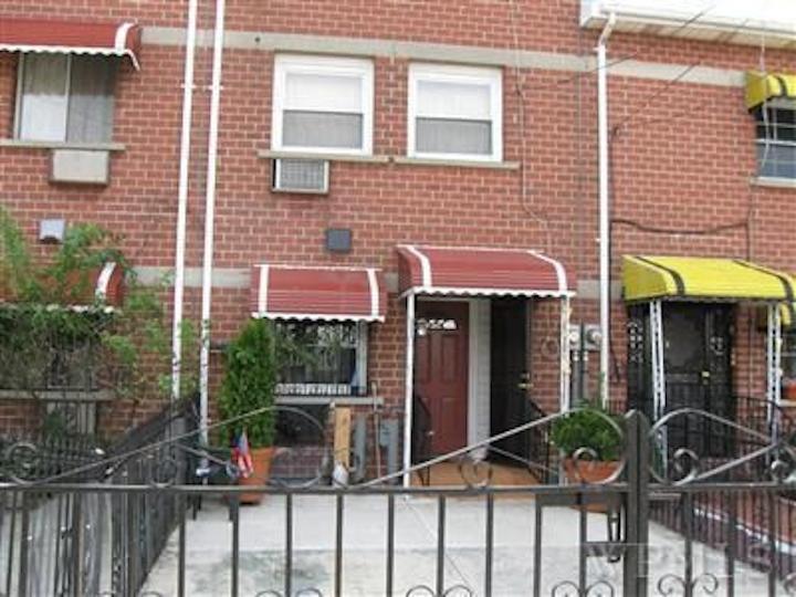 776 Home Street