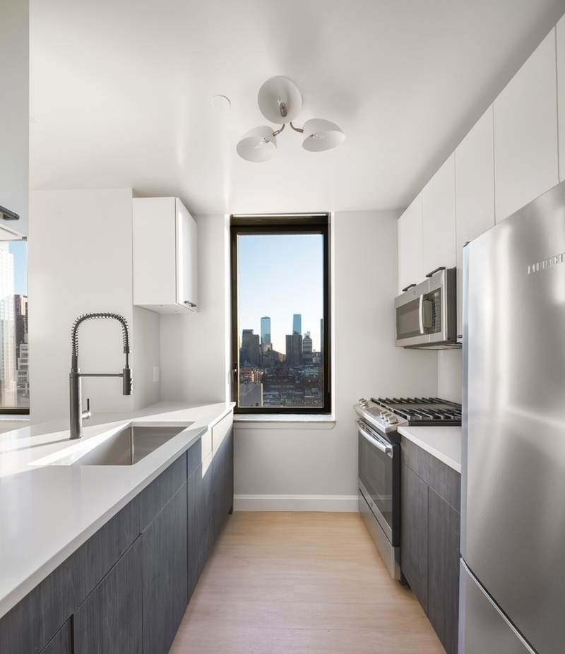 Atlas New York: 15E a view of a kitchen