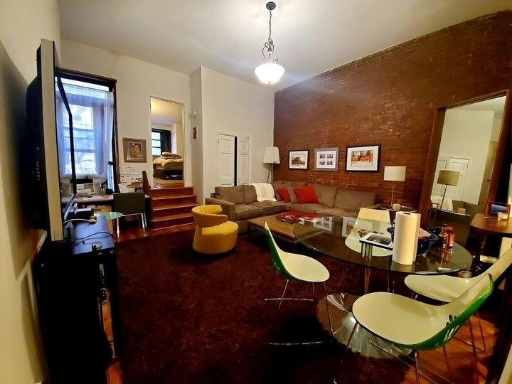 21 West 76th