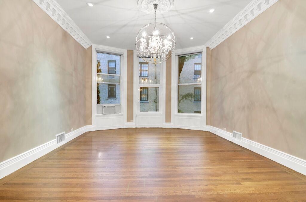 165 E 71 St, New York, NY 10021 — Apartable