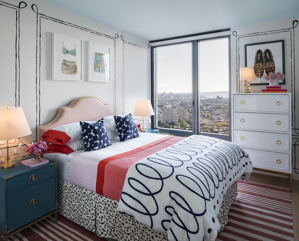 The Ashland: 44F a bedroom with a bed in a room